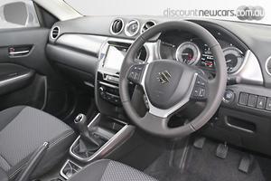 2020 Suzuki Vitara Manual 2WD